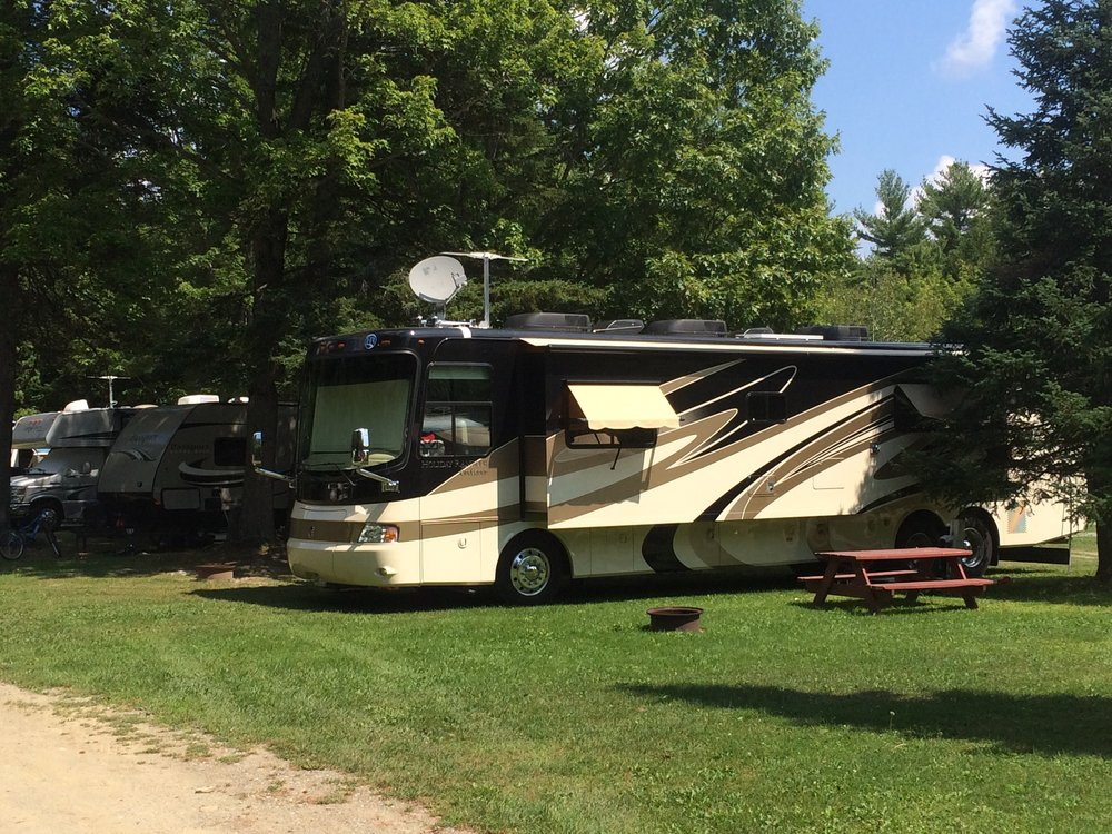 photo of rv camper setup at cold river campground